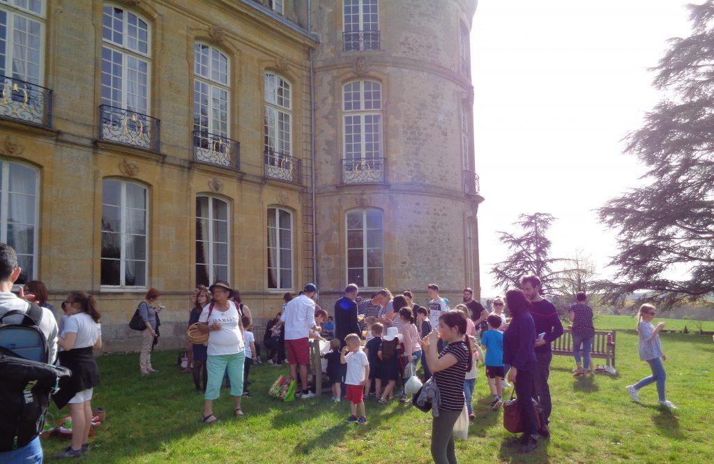 Chasse aux œufs dans le parc du Château de Digoine