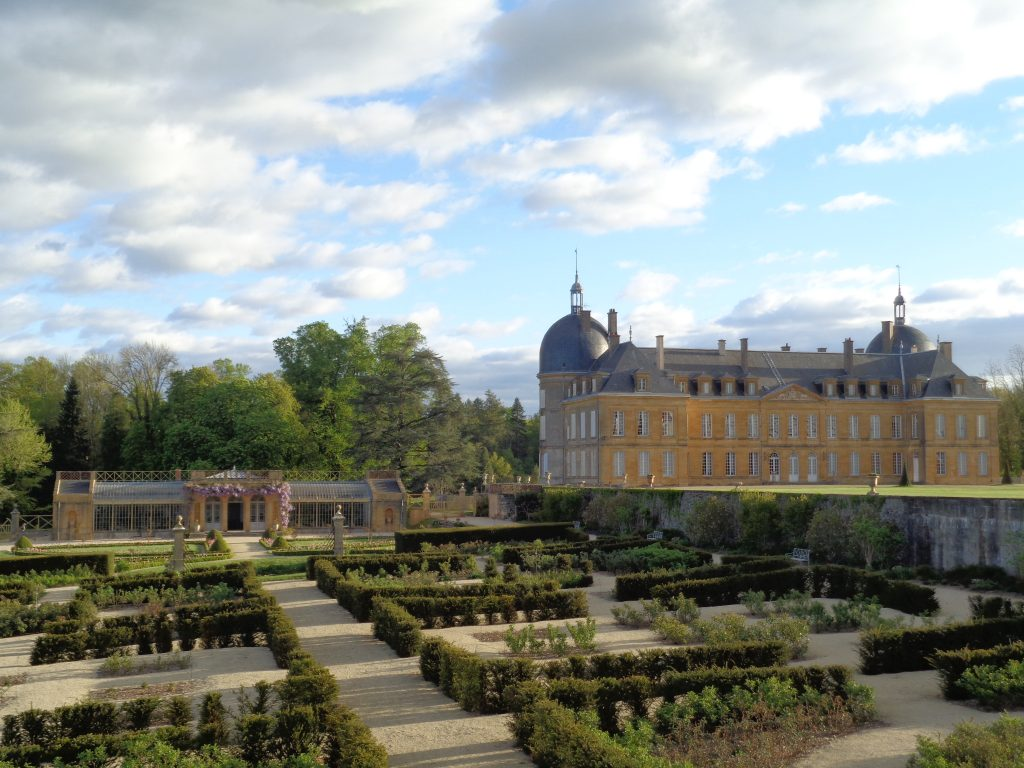 Prise de vue depuis les anciennes écuries du Château de Digoine
