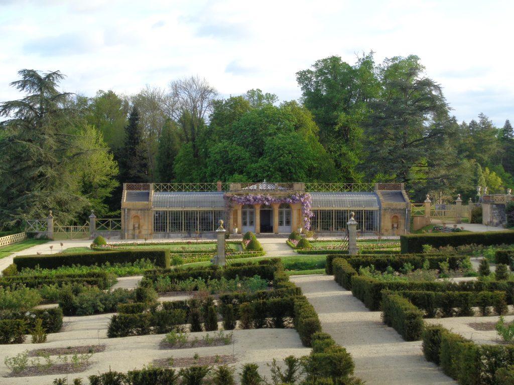 La serre permettait de cultiver des variétés de plantes exotiques qui, dans les jardins, n'auraient pas resisté aux rudes hivers bourguignons.