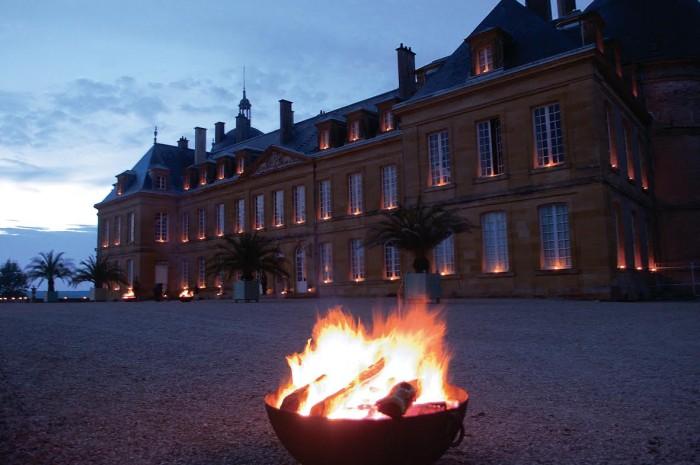 La soirée au flambeaux est un évènement récurrent au Château de Digoine